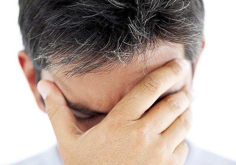 nguyên nhân gây ra hiện tượng tóc bạc sớm